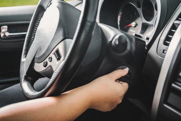 Consejos para arrancar el coche después de muchos días parado tras Confinamiento por el Coronavirus COVID-19