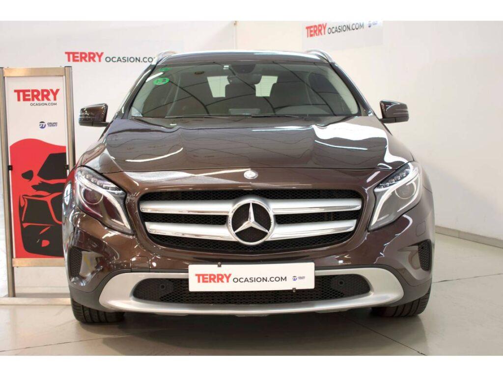 Mercedes GLA 200 DIESEL Segunda mano